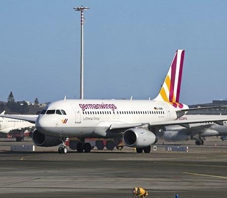 Germanwings-in-Hamburg_81641ff790d905efa14339158bf6631d_rb_597